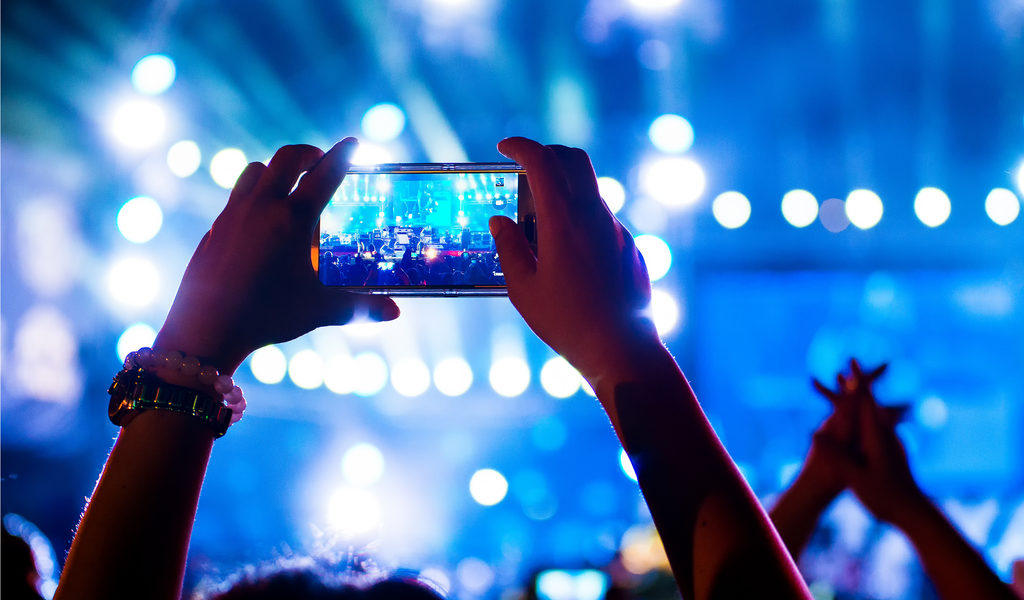 8 Killer Content Ideas for Facebook Live Video