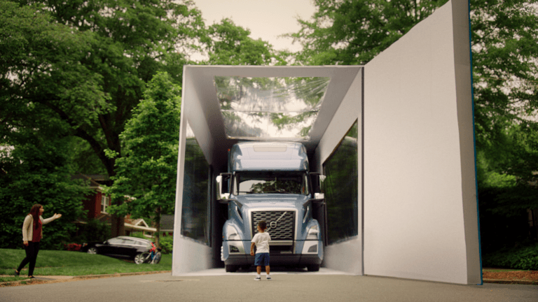 World's Largest Unboxing by Volvo Trucks Shows B2B Video Still Amazing