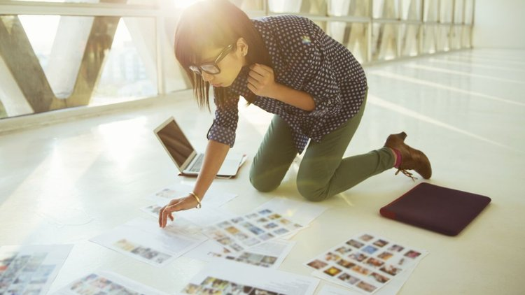The Beginner Content Marketer's Guide to Using Stock Images Without Getting Sued