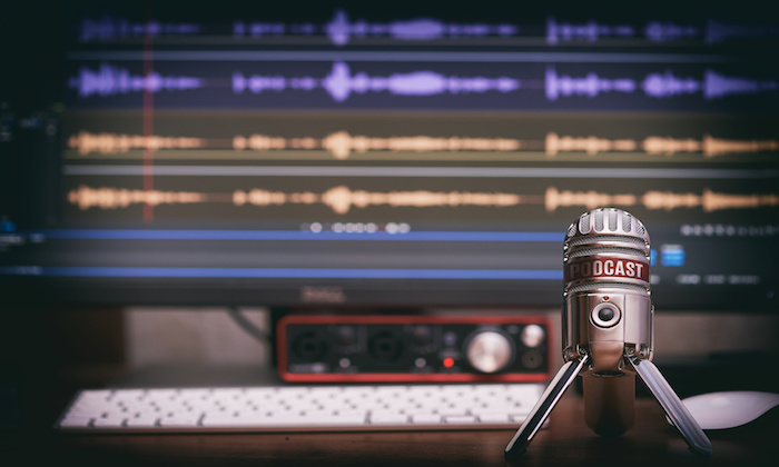 Hack Your Way to 10,000 Podcast Downloads with These 15 Tips