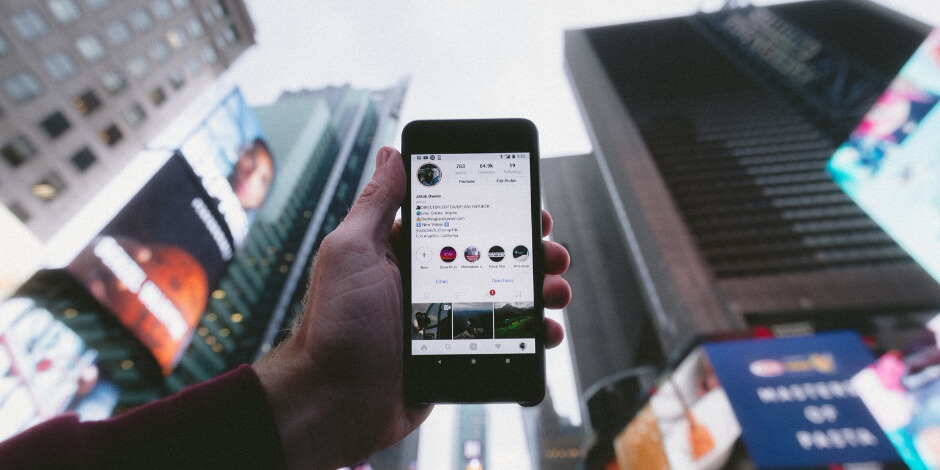 Here's How to Get Verified on Instagram (Yes, Anyone Can Apply Now)
