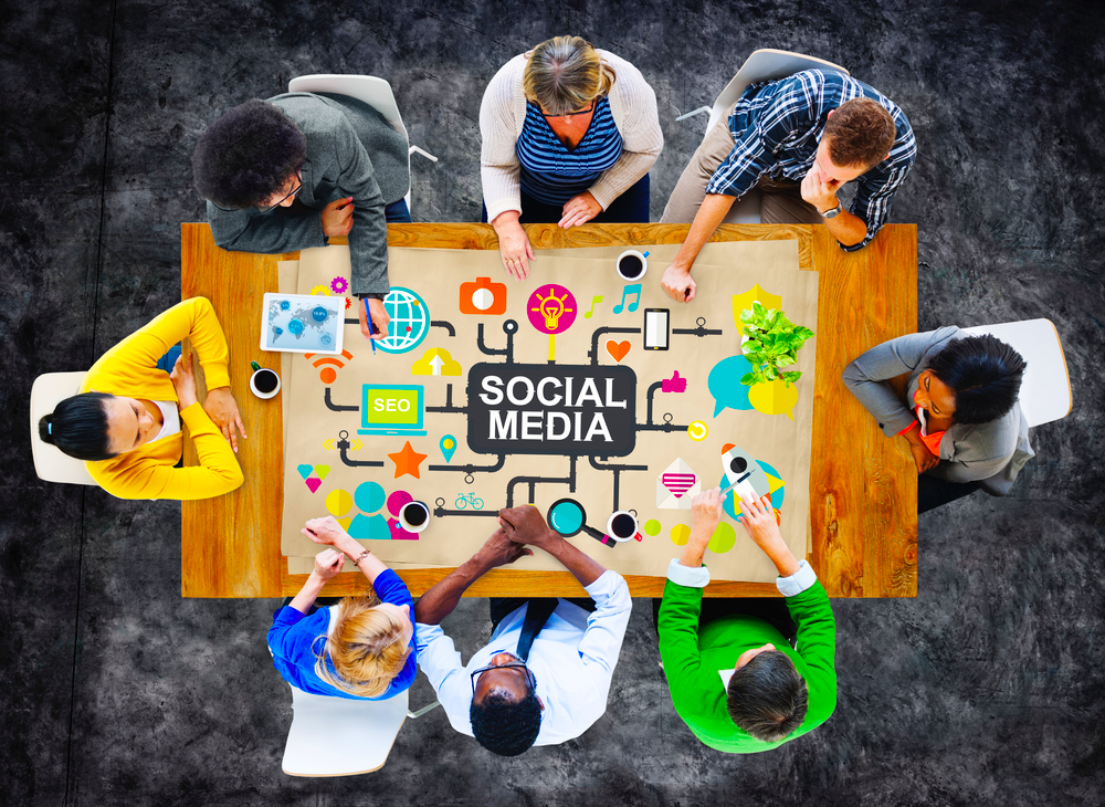 5 Strategies to Manage a Remote Social Media Team